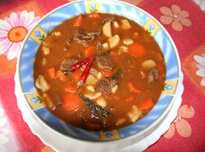 hungarian_goulash_01