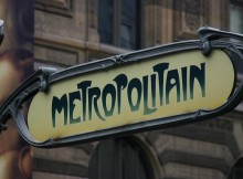 Metro_sign_Paris